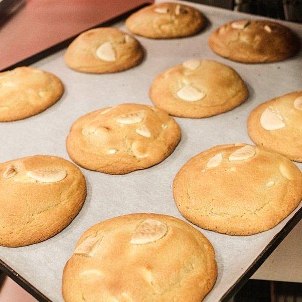 Ben's Cookies